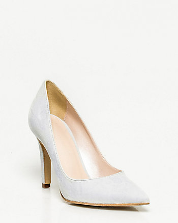 Lace Embossed Leather Pump