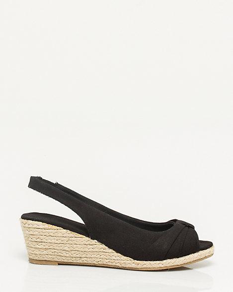 Le Chateau Slingback Women Shoes