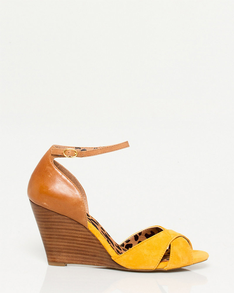 be6a7e13f68f Leather Ankle Strap Sandal STYLE  302623