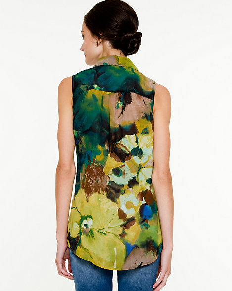 LE CHÂTEAU: Abstract Print V-Neck Blouse