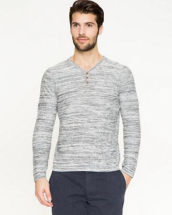 Chandail en tricot de coton teint par espacement