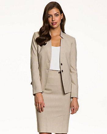 End-on-end Inverted Collar Blazer
