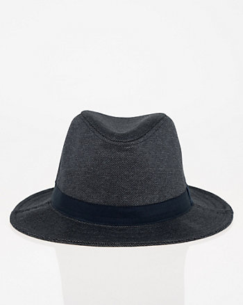 Fedora à larges bords