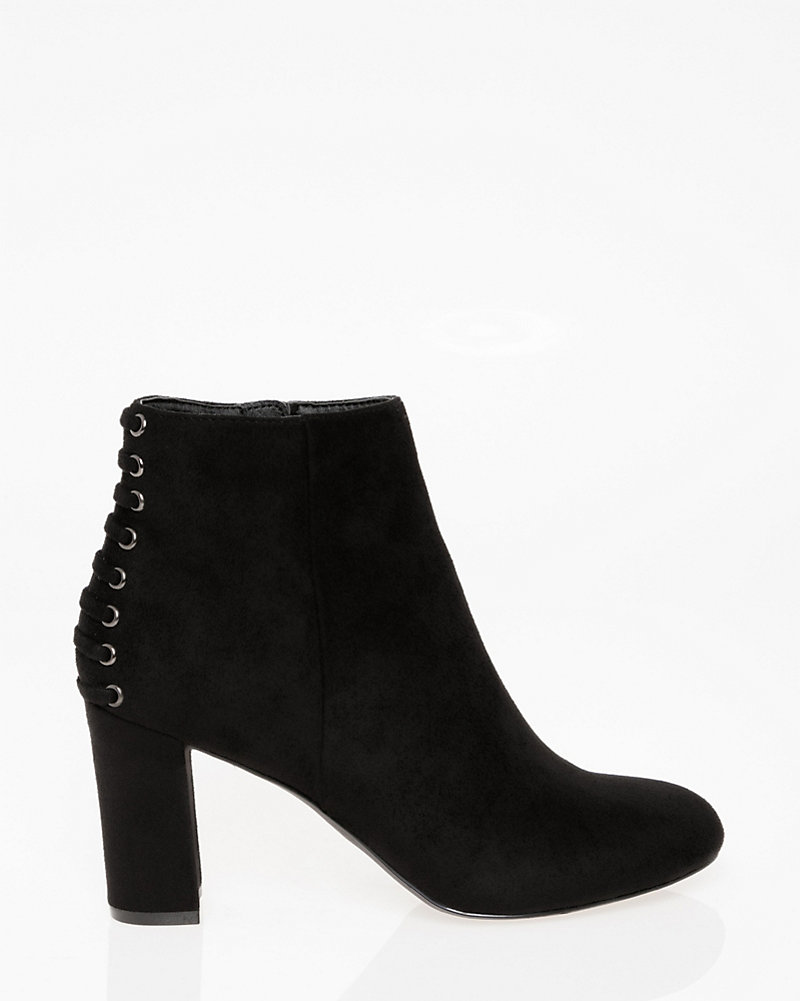 68b92cb451 Lace-Up Round Toe Ankle Boot | LE CHÂTEAU