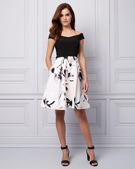 Off the Shoulder Coctail Dresses