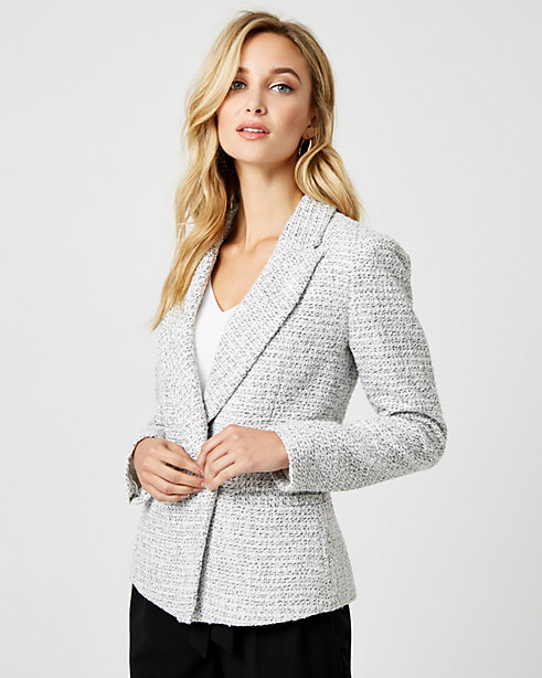 Bouclé Peak Lapel Double Breasted Blazer STYLE: 368720