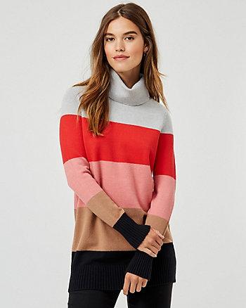 Chandail à col roulé rayé en tricot à côtes