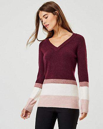 Chandail rayé à encolure en V en tricot