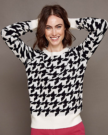 Houndstooth Print Knit Crew Neck Sweater