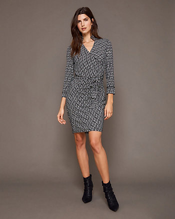 Houndstooth Print Knit V-Neck Dress
