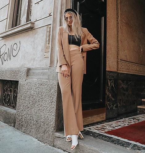 Follow LE CHÂTEAU on Instagram