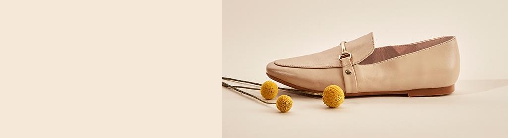 PLATS. 0 po - 1 po. Magasinez les chaussures à talons plats pour femmes